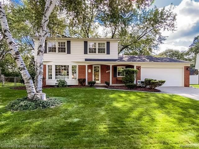 17300 Park Street, Livonia, MI 48152 (#2210086461) :: GK Real Estate Team
