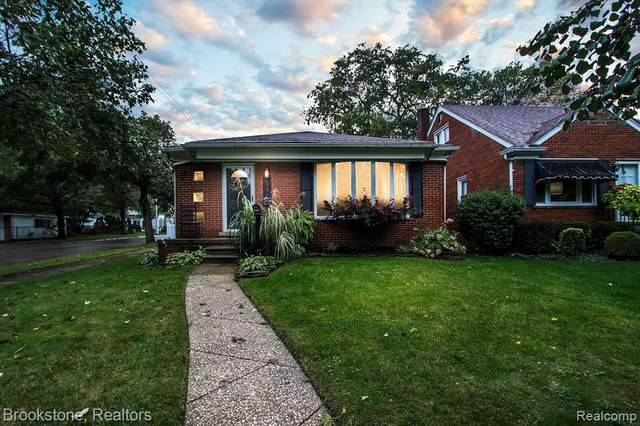 2996 Parkwood Street, Trenton, MI 48183 (#2210087271) :: Robert E Smith Realty