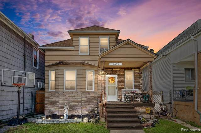 2609 Holmes Avenue, Hamtramck, MI 48212 (#2210087738) :: National Realty Centers, Inc