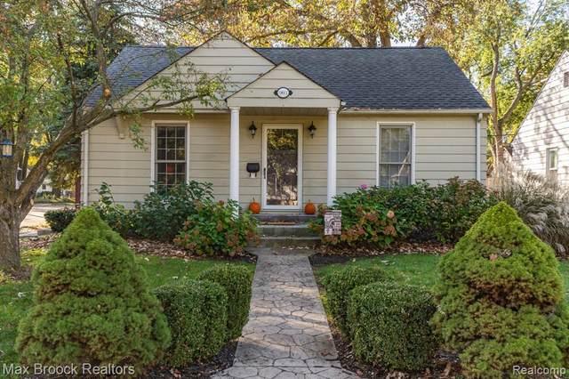 903 Cloverdale Drive, Royal Oak, MI 48067 (#2210088327) :: Real Estate For A CAUSE