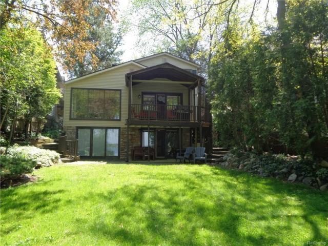 2390 Walnut Lake Road, West Bloomfield Twp, MI 48323 (#217049627) :: RE/MAX Classic