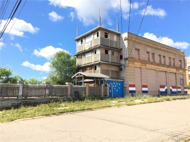 4301 S Saginaw Street, Flint, MI 48507 (#215131971) :: The Buckley Jolley Real Estate Team