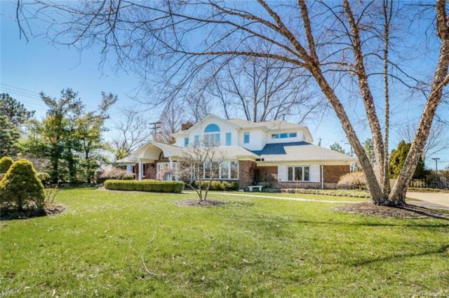 20363 Sunningdale Park, Grosse Pointe Woods, MI 48236 (#218031446) :: Duneske Real Estate Advisors