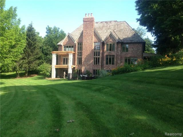 2940 Orchard Place, Orchard Lake, MI 48324 (#218034649) :: RE/MAX Classic