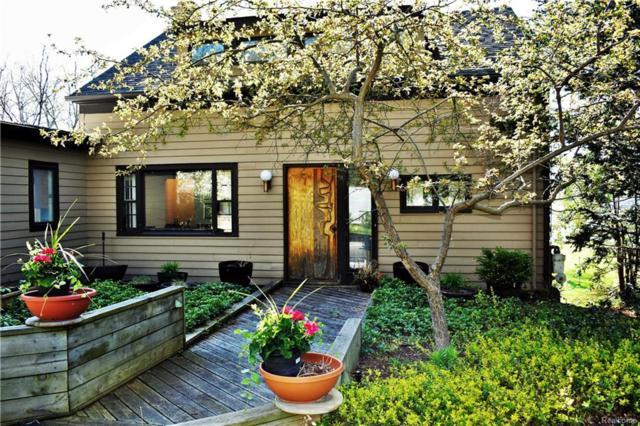 3328 Edgewood Park Drive, Commerce Twp, MI 48382 (#218038693) :: Duneske Real Estate Advisors