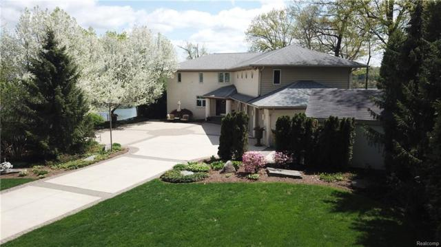 8789 Lakeview Boulevard, Independence Twp, MI 48348 (MLS #218041237) :: The Toth Team