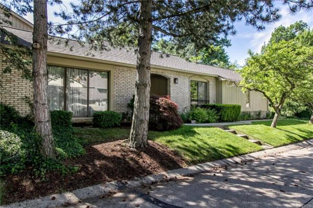 1467 Ravineview Court, Bloomfield Twp, MI 48304 (MLS #218050920) :: The Toth Team