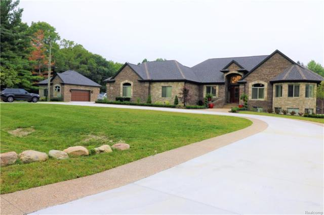 3960 Harvest Creek Court, Oakland Twp, MI 48306 (#218090995) :: The Buckley Jolley Real Estate Team