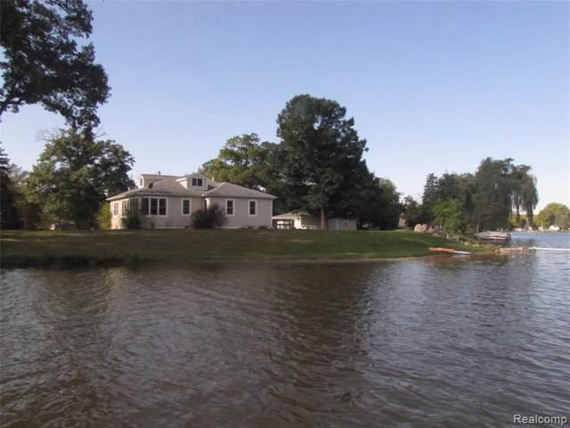 9140 Pontiac Lake Road, White Lake Twp, MI 48386 (#218101878) :: The Buckley Jolley Real Estate Team
