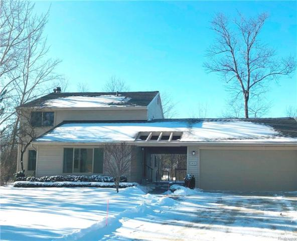 5878 Shilo Court, West Bloomfield Twp, MI 48322 (#219006427) :: RE/MAX Classic