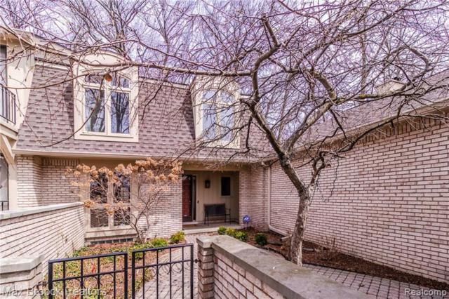 1102 S Timberview Trail, Bloomfield Twp, MI 48304 (#219008609) :: The Buckley Jolley Real Estate Team