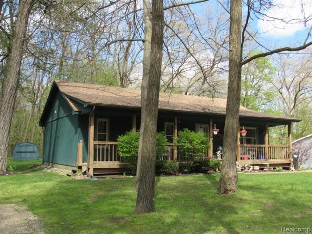 5812 Crandall Road, Howell Twp, MI 48855 (#219042119) :: The Buckley Jolley Real Estate Team