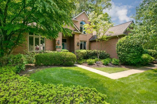 6425 W Oaks Drive, West Bloomfield Twp, MI 48324 (#219049189) :: RE/MAX Classic