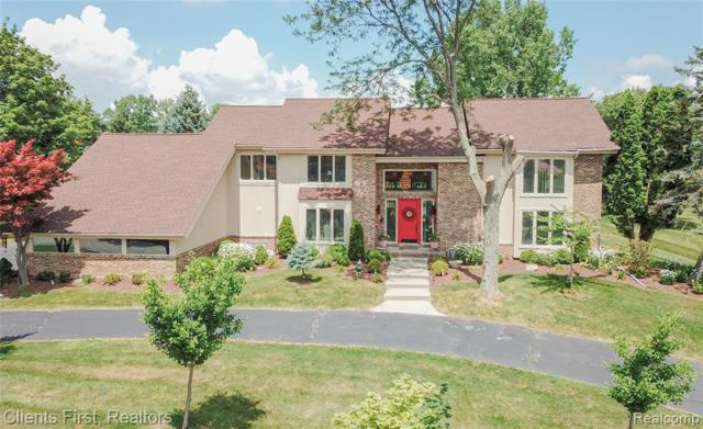 2058 Fawnwood Way, West Bloomfield Twp, MI 48302 (#219070103) :: RE/MAX Classic