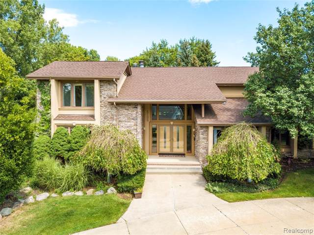 2100 Birchwood Way, West Bloomfield Twp, MI 48302 (#219083567) :: RE/MAX Classic