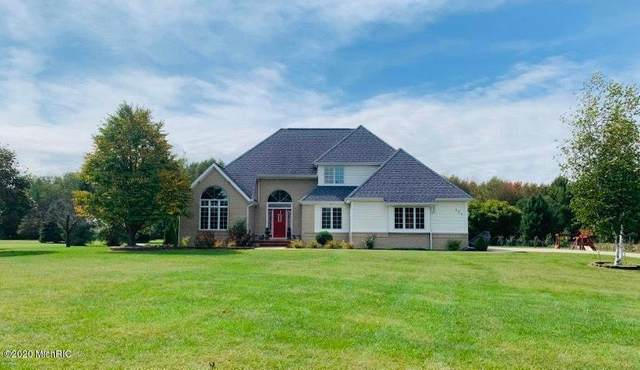 124 Ridge Rd, Quincy Twp, MI 49082 (#62019045046) :: Team DeYonker