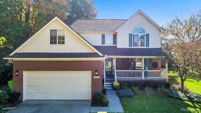 619 Mallard Way Way, Oxford Twp, MI 48371 (MLS #219107522) :: The Toth Team