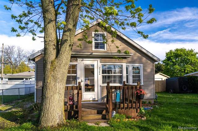 3204 Linwood Avenue, Frenchtown Twp, MI 48162 (MLS #219108981) :: The John Wentworth Group