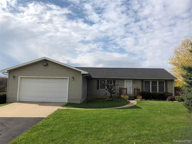 10075 Fieldcrest Drive, Green Oak Twp, MI 48116 (MLS #219111828) :: The Toth Team