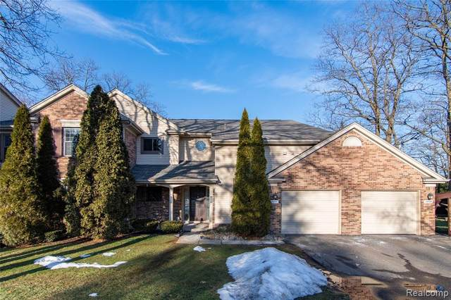 29509 Pine Ridge Circle, Farmington Hills, MI 48331 (#2200007555) :: BestMichiganHouses.com