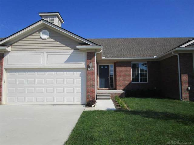 47352 Mariner's Pte, Chesterfield Twp, MI 48051 (#58050006949) :: The Alex Nugent Team | Real Estate One
