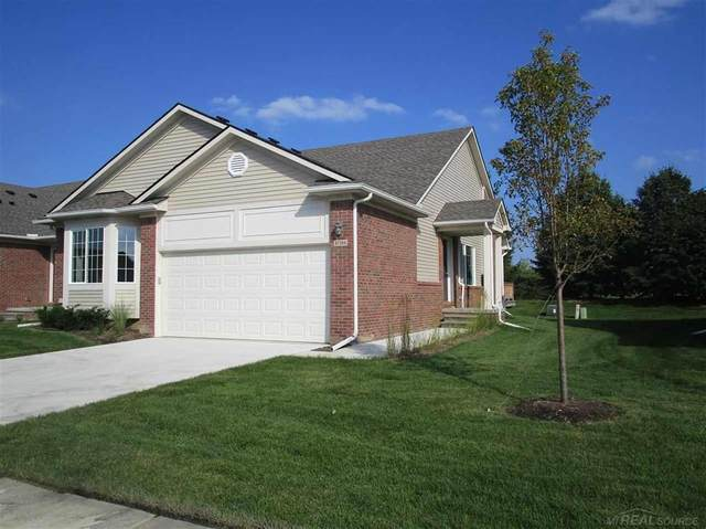 47364 Mariners Pte, Chesterfield Twp, MI 48051 (#58050007568) :: NextHome Showcase
