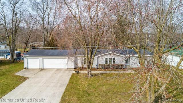 679 6 MILE RD Road, Northfield Twp, MI 48189 (#2200022374) :: The Buckley Jolley Real Estate Team