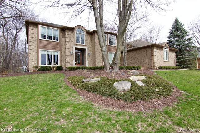 200 Cross Creek Boulevard, Rochester Hills, MI 48306 (#2200024380) :: The Alex Nugent Team | Real Estate One
