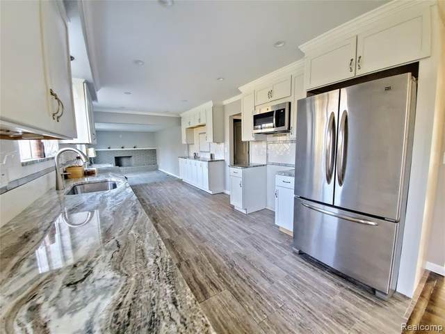 15596 Nola Circle, Livonia, MI 48154 (#2200025399) :: The Alex Nugent Team | Real Estate One