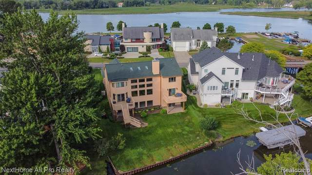 1318 Forest Bay Drive, Waterford Twp, MI 48328 (MLS #2200058970) :: The John Wentworth Group