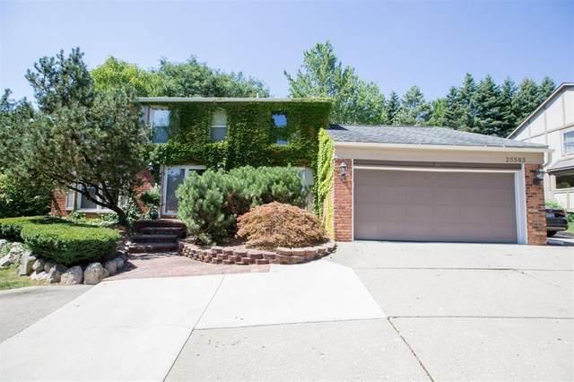 25583 Bridlepath, Farmington Hills, MI 48335 (#543275841) :: Novak & Associates