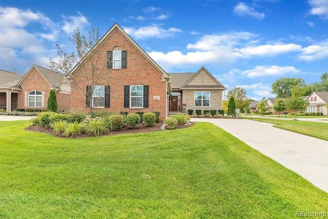 4041 Ardsley Crt, Independence Twp, MI 48348 (#2200072045) :: BestMichiganHouses.com