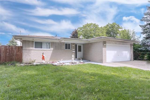 2973 Parliament Drive, Troy, MI 48083 (#2200072773) :: Novak & Associates