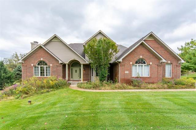 9895 Viking Lane, Green Oak Twp, MI 48178 (#2200079099) :: Keller Williams West Bloomfield