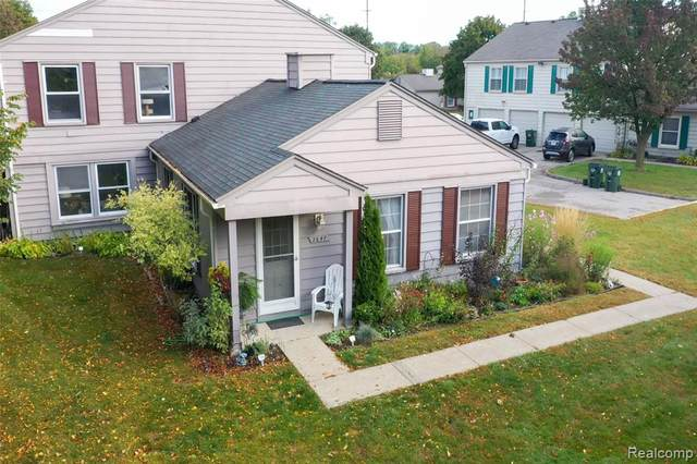 2647 Thornbrier Court, Orion Twp, MI 48360 (MLS #2200081401) :: The John Wentworth Group