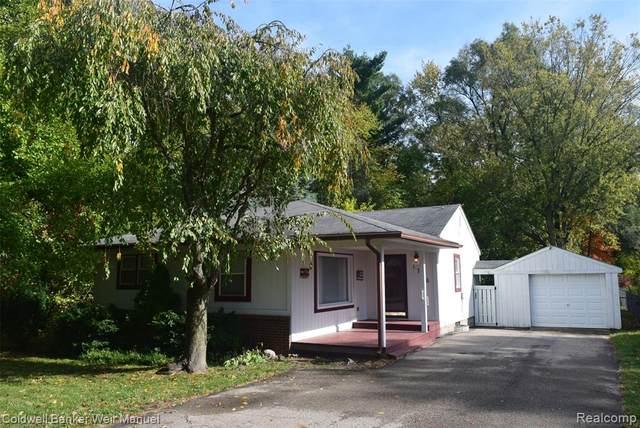 1746 Shankin Drive, Wolverine Lake Vlg, MI 48390 (MLS #2200086722) :: The John Wentworth Group