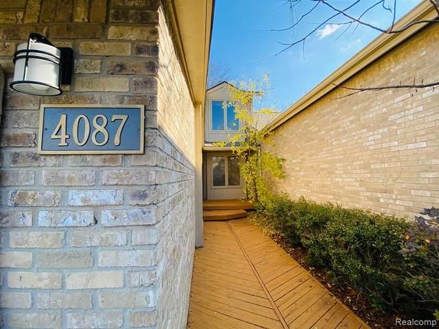 4087 Foxpointe Drive #107, West Bloomfield Twp, MI 48323 (#2200089875) :: Robert E Smith Realty