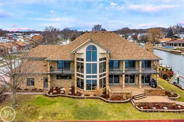 23355 Clairwood, Saint Clair Shores, MI 48080 (#58050030306) :: GK Real Estate Team