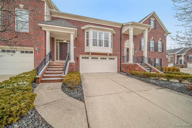 791 Red Run Drive, Troy, MI 48085 (#2210000433) :: The Mulvihill Group