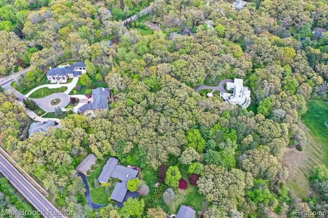 30958 Woodcrest Court, Franklin Vlg, MI 48025 (#2210003898) :: Real Estate For A CAUSE