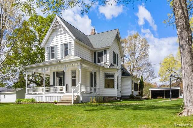 101 Hill Street, Stockbridge Vlg, MI 49285 (#2210008496) :: NextHome Showcase