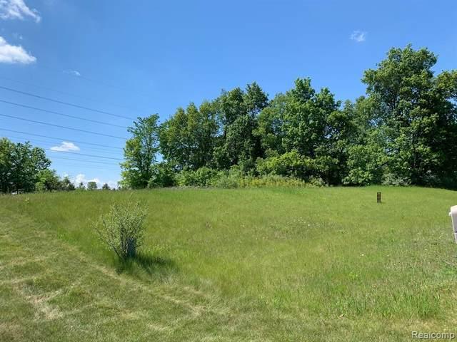 6157 High Valley Drive, White Lake Twp, MI 48383 (#2210009444) :: Alan Brown Group