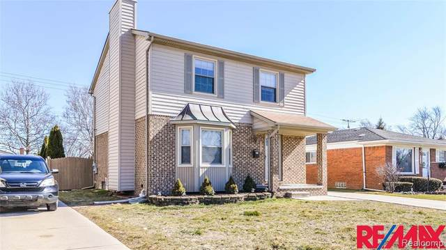 6738 Centralia Street, Dearborn Heights, MI 48127 (#2210010827) :: The BK Agency