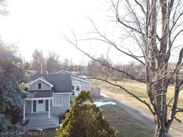 6881 Westaway Drive, Troy, MI 48085 (#2210012916) :: The Alex Nugent Team | Real Estate One