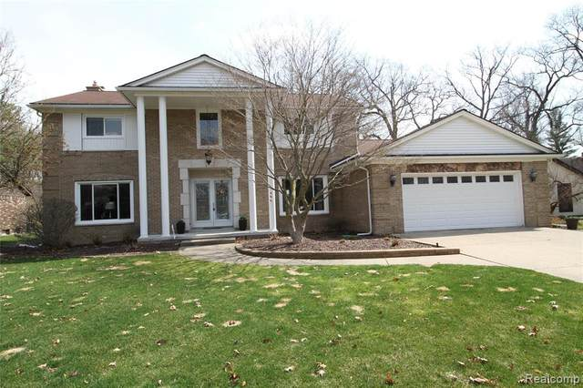 3360 Angelus Drive, Waterford Twp, MI 48329 (MLS #2210020722) :: The John Wentworth Group