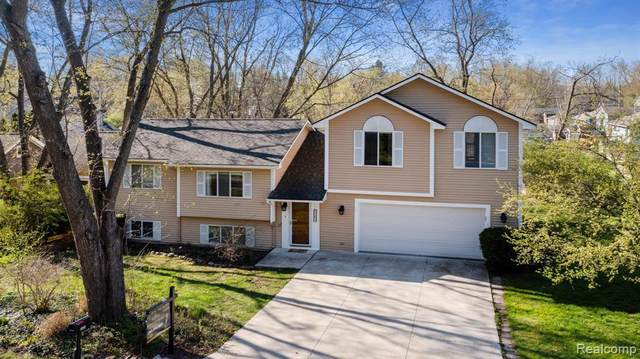 6679 Dandison Boulevard, West Bloomfield Twp, MI 48324 (#2210023955) :: RE/MAX Nexus