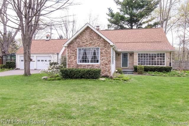 4659 White Lake Road, White Lake Twp, MI 48383 (#2210024307) :: Duneske Real Estate Advisors