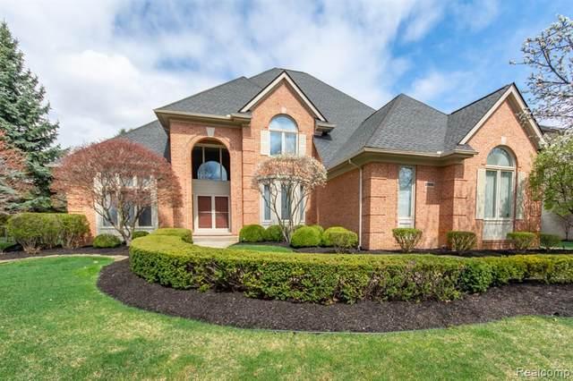 21955 York Mills Circle, Novi, MI 48374 (#2210024814) :: Duneske Real Estate Advisors