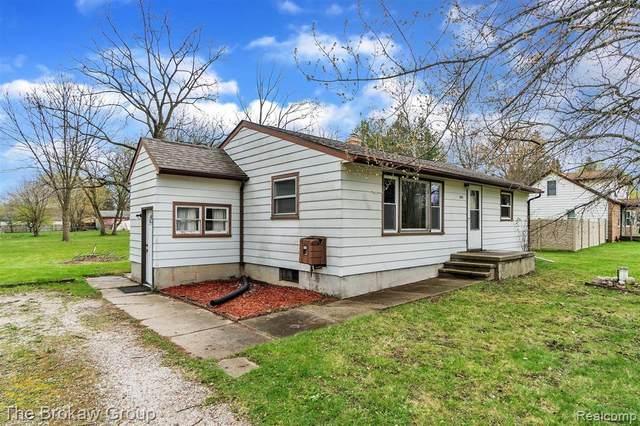 1057 Adams Road W, Burton, MI 48509 (#2210024889) :: Real Estate For A CAUSE