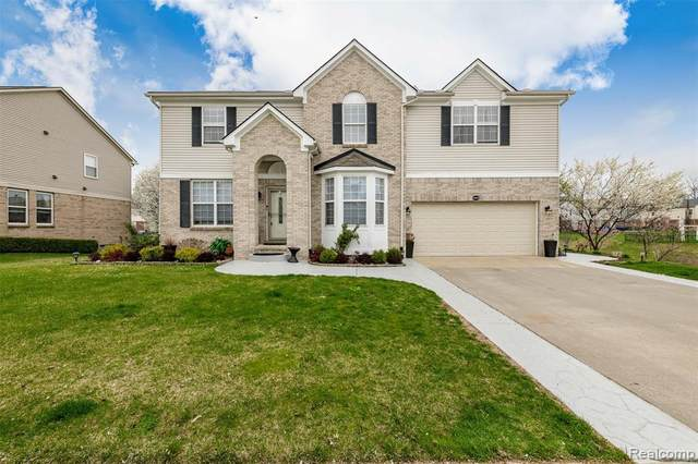 15525 Brookstone, Clinton Twp, MI 48035 (#2210025705) :: Real Estate For A CAUSE